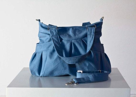 Elessa  in light Blue canvas