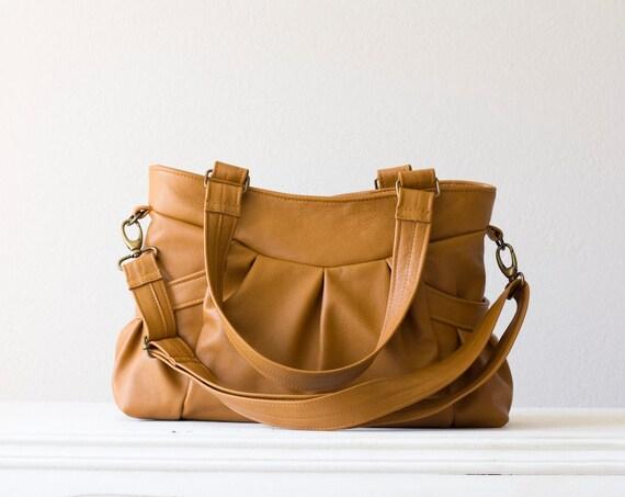 Elessa - Leather shoulder bag and leather messenger bag in light Brown