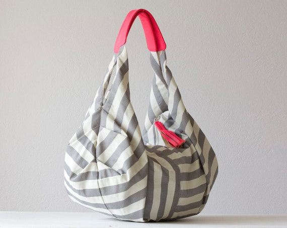 Kallia - Shoulder bag in cotton stripe and neon pink leather