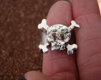 Garnet Skull Ring//////
