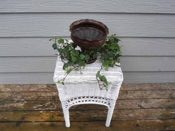 Metal  Urn shabby chic, French cottage, farmhouse, country style