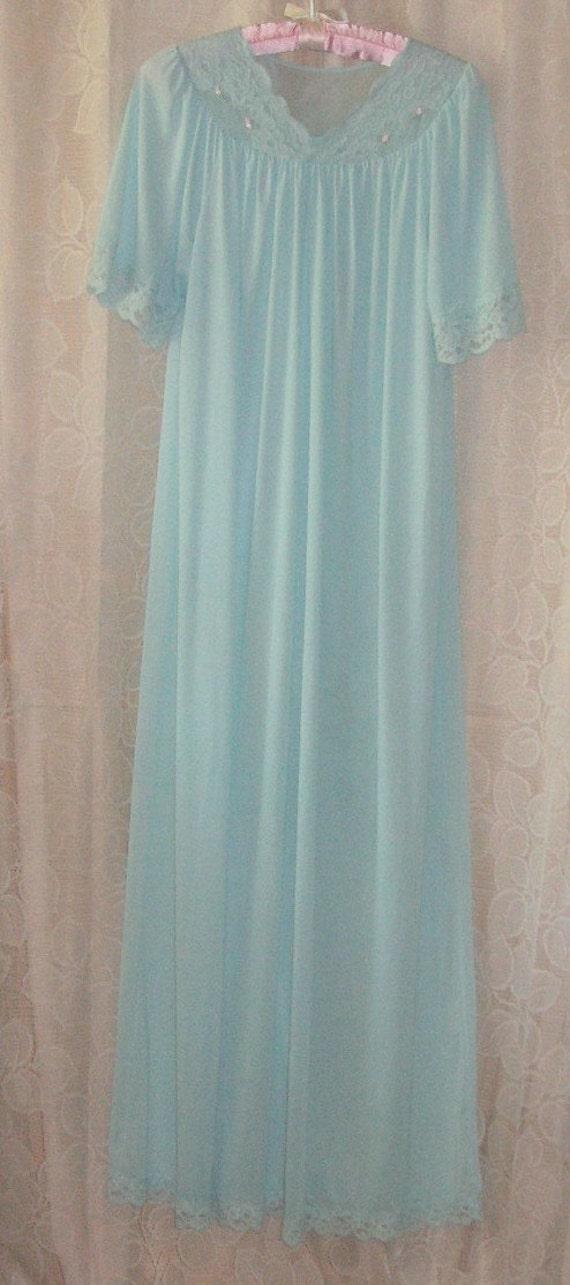 SHADOWLINE Small seafoam long nightgown  all nylon never worn Feminine and pretty   REDUCED