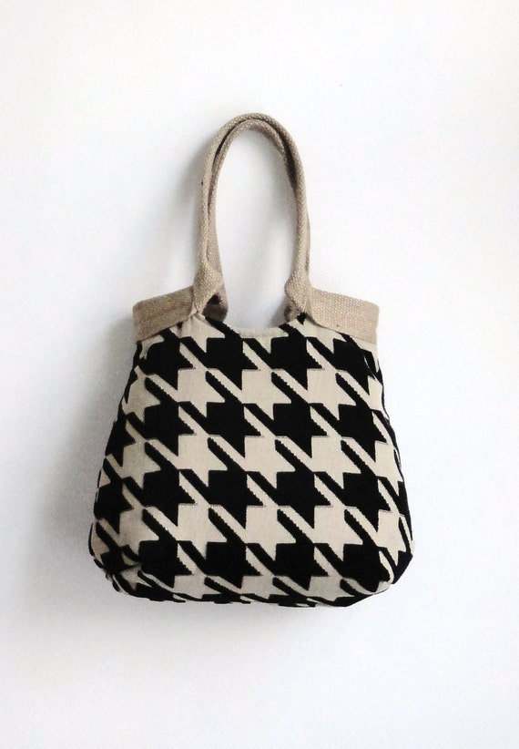 Houndstooth black tapestry handbag with burlap  HIGH FASHION
