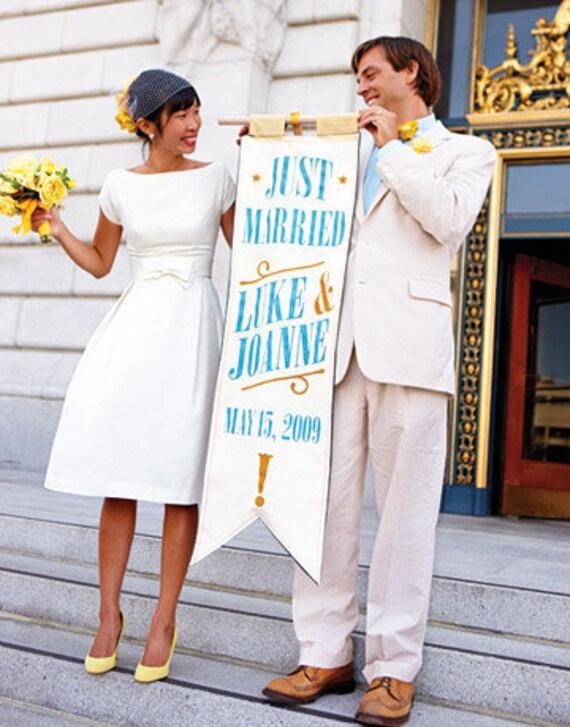 Katie's Custom SCOOP Neck 60s Retro Wedding Dress IVORY