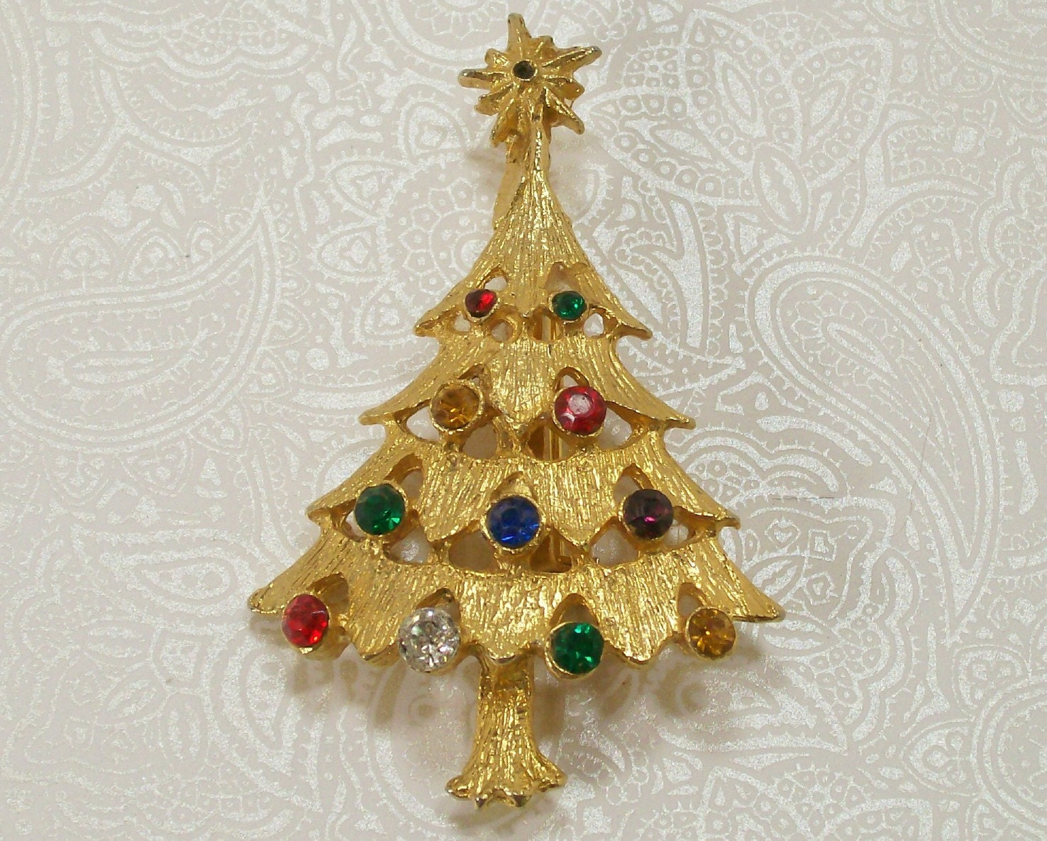 Christmas Tree Pin Brooch Multi Colored Stones Gold Toned