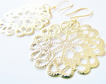 Spring Fling: Golden Filigree Earrings - FREE SHIPPING WAI - Affordable gifts - bridesmaids sets - beach inspired treasures