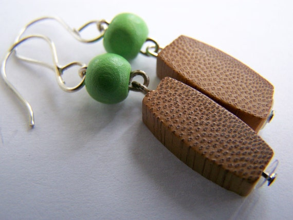Gorgeous Coconut and Bamboo Wood- LoW ShIpPiNg with another item :)