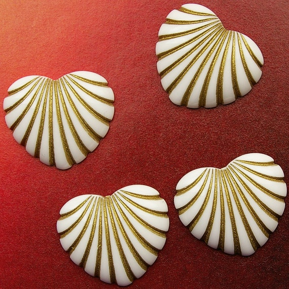 4 vintage plastic radiant heart cabochons, ivory with gold inlay - HP0072