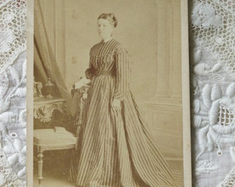 Lady in Stripes Portrait Victorian Cabinet Card Photo c1870s