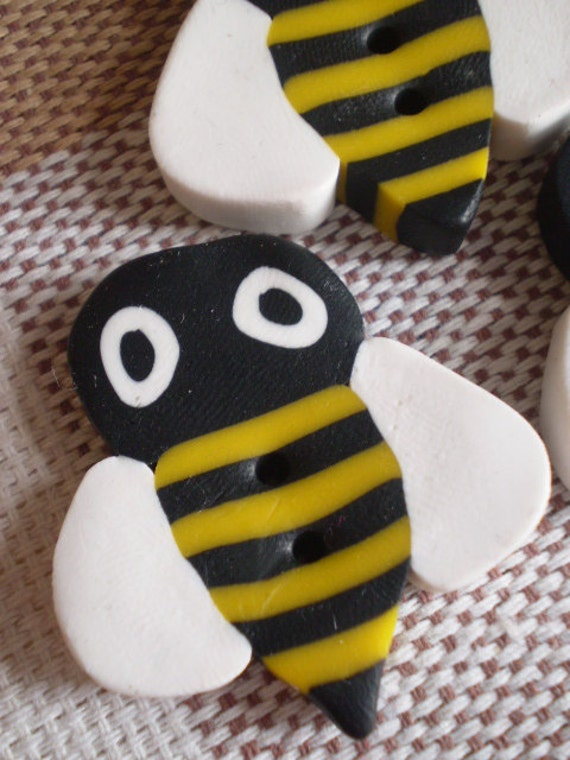 BEE Bee BEE - 3 Polymer Clay Honey BEE Buttons