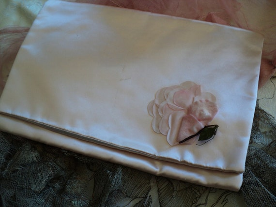 Late 1920s to early 1930 silk satin lingerie bag vintage rose on front boudior flapper