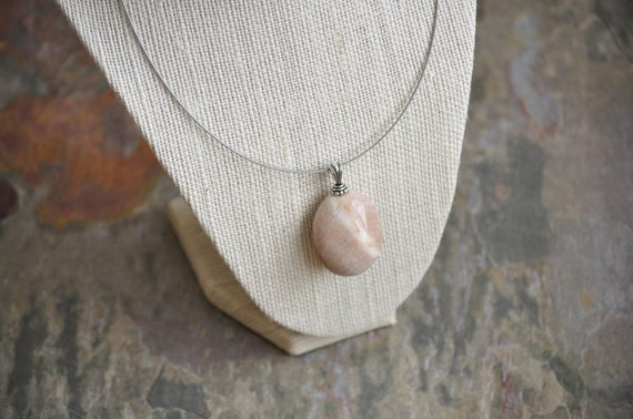 Beach Rock Necklace - Tumbled Caramel Stripe