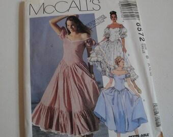 McCalls Sewing Pattern Sweetheart Neckline Gathered Skirt Dress size 8 10 12 UNCUT
