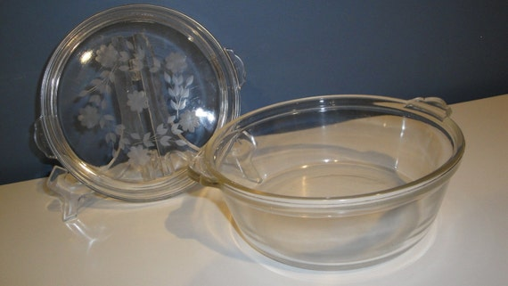 Reserved Vintage Engraved Pyrex 1.5 Quart Casserole with Lid
