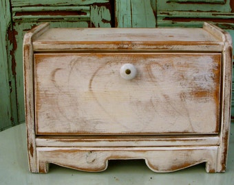 Bread Box - Cottage Chic - Distressed - Color choice - Shabby Decor - French Country Kitchen - Storage Ideas