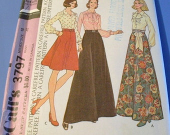 Vintage 1973 Blouses and Skirt Set Pattern   3797
