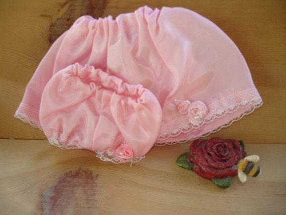 Polly Elizabethe Loves Pink