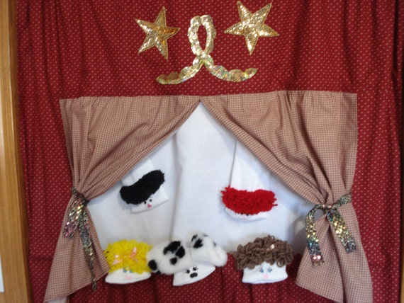 Special order for Kate Gilbert Puppet theater doorway stage 5 Sock puppets Door Way