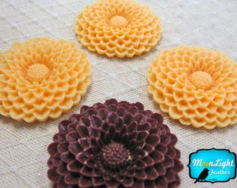 Flower Cabochons, 4 Pieces - CARAMEL CHOCO Chrysanthemum Large Flowers Cabochon Resin Set 39mm  : 1033