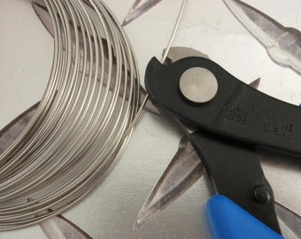 Xuron Double Flush HARD Wire Cutters - HWAC - My Pick for Stainless Steel and a Must for Memory Wire- Made in the USA - Wire Sample Included