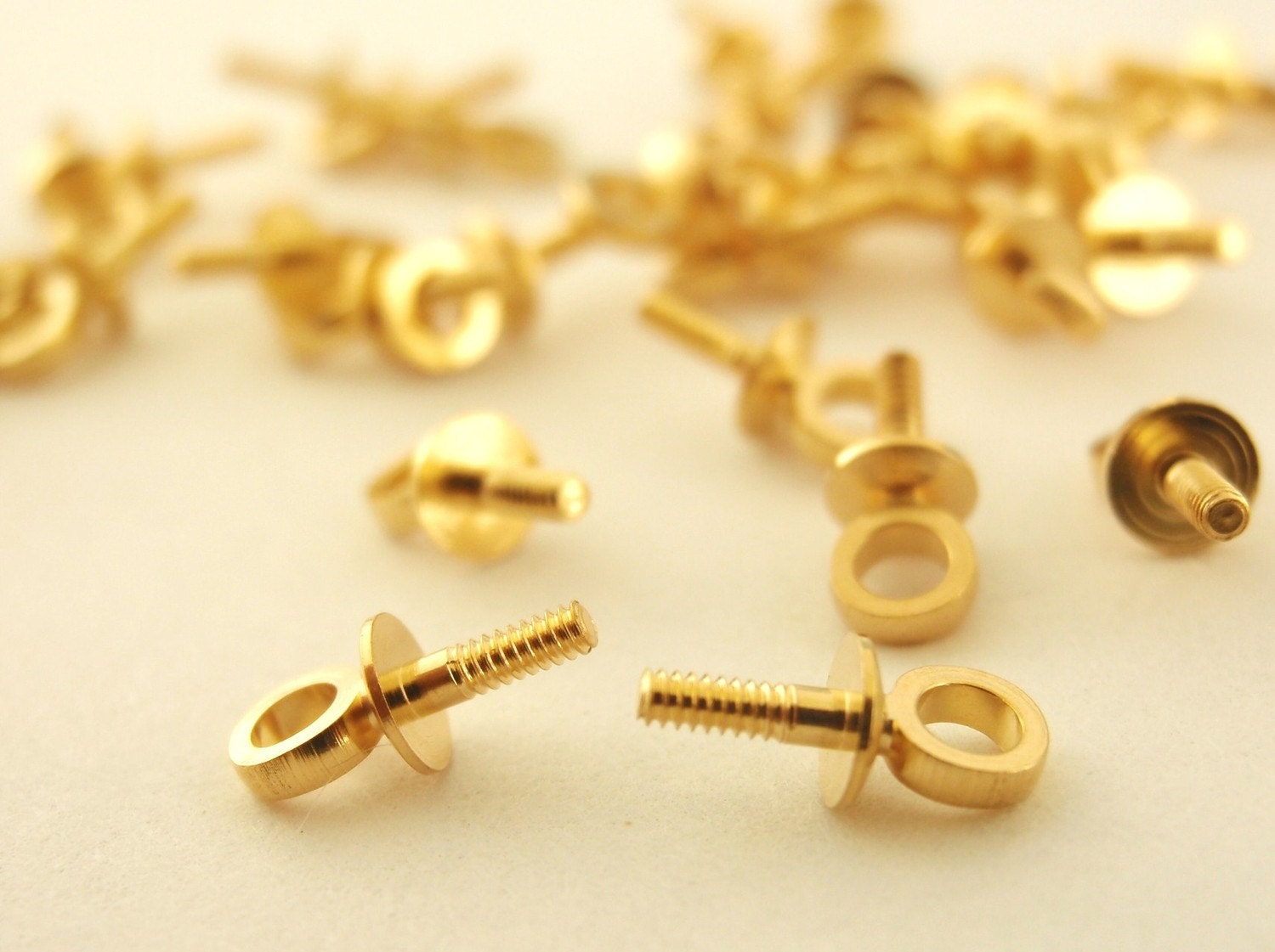 25 gold plated screw eyes 7 mm x 3 mm