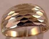 SALE... Estate 14K Yellow Gold Wedding Band Diamond Cut Ring size 8... FREE SHIPPING
