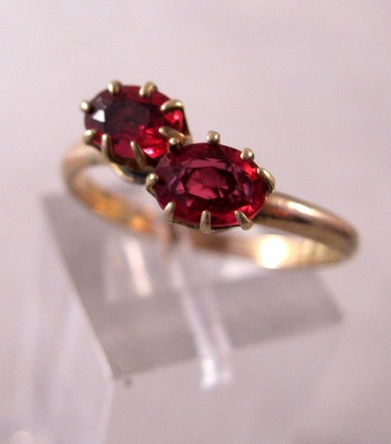 Vintage Rose Gold Fill Ruby Glass Double Stone Ring Size 7 3/4 FREE SHIPPING