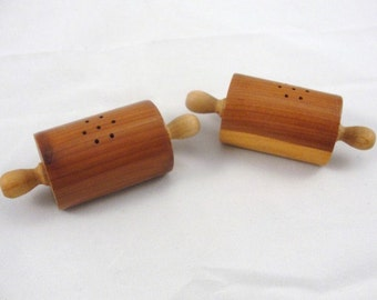 Vintage wooden rolling pin salt and pepper