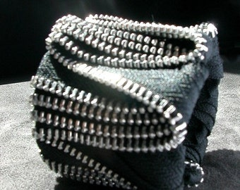 ZigZag Black Zipper Cuff In Silver