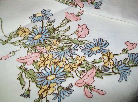 RESERVED for Kayla - SALE - Vintage Leacock linen tablecloth, 2 matching napkins, linen, Leacock, tablecloth, table cloth, napkin, floral
