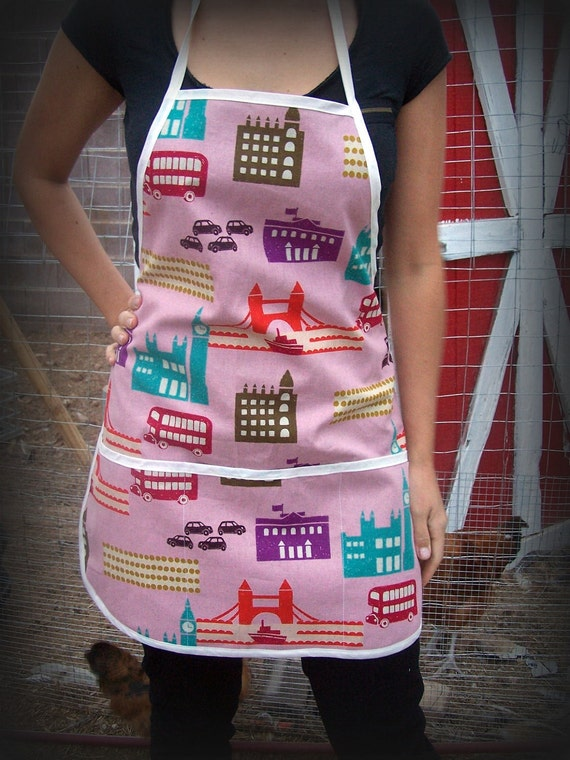 SALE...... London town pink- lightweight canvas full size apron, one size fits all, great hostess gift or stocking stuffer