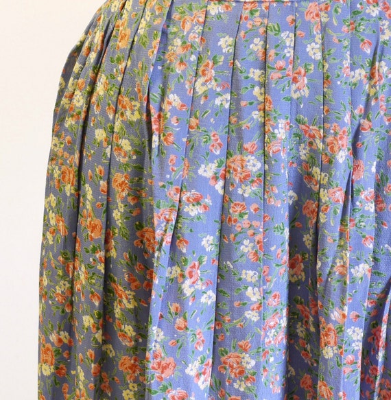 Periwinkle and dusty Rose Floral skirt. size Medium