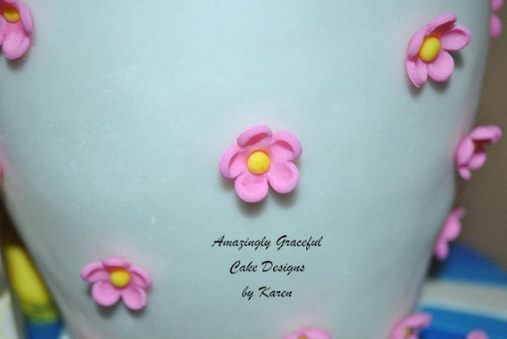 Edible Flowers, cupcake or cake fondant topper (30 flowers)
