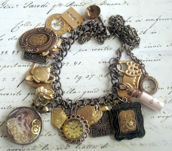 Alice in Wonderland Steampunk Necklace - FREE POSTAGE