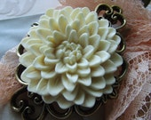 Chrysanthemum Brooch, Cream, Ivory, Antique Gold, Mother, Flower, Ornate