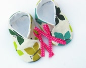 Beautiful butterflies baby shoes/booties