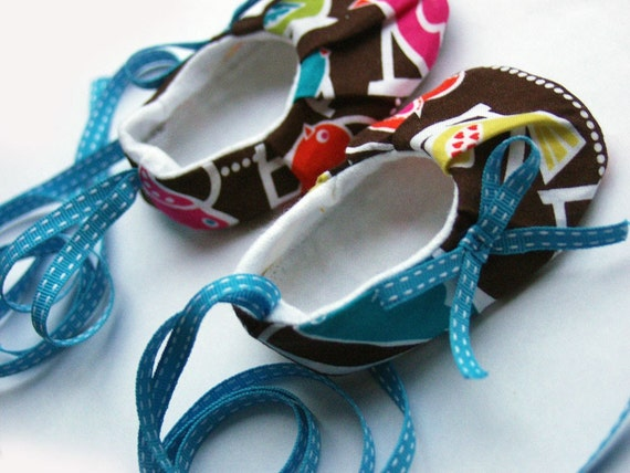 Baby shoes - handmade in bird swing - girl, size 0-6 months  -SALE