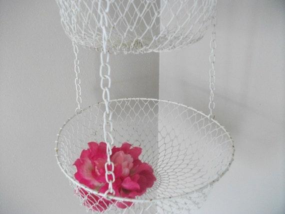 Vintage Wire Hanging Basket - Chippy Cream