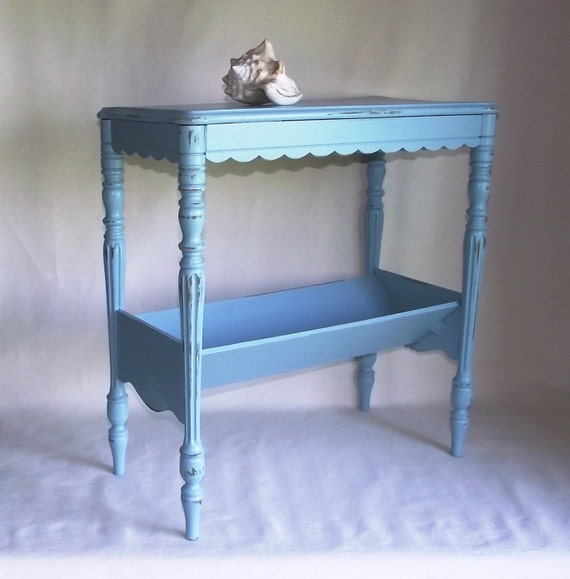 Vintage Scalloped Seaside Table in Light Turquoise for Books