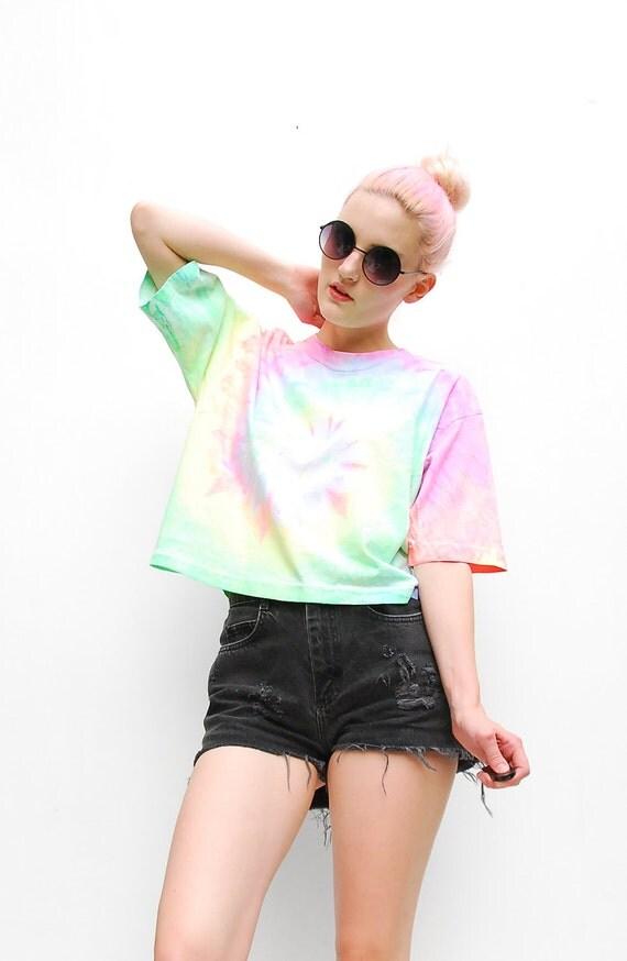 80s Tshirt - Tie Dye T Shirt  - Cropped T-shirt - Neon Top - Oversized Tee - Summer Fashion - 1980s Shirt - S M L 2 4 6 8 10