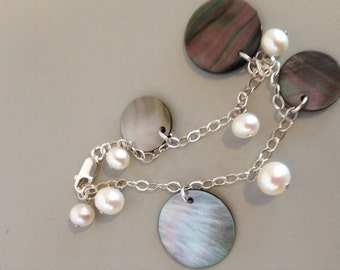 Black Mother-of-Pearl Bracelet Pearl Bracelet Beach Wedding Jewelry Natures Splendour Jewelry