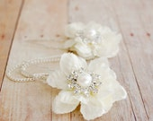 Moonbeams - white petal rhinestone and pearl picks
