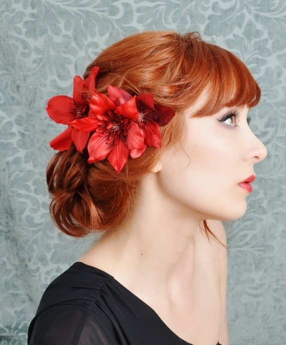 Flower Clips. Girls of all ages will love our flower clips! These unforgettable hair accessories look great and are simply adorable. Most of our flower clips are set on an alligator clip to easily slide into our headbands or directly into your hair.