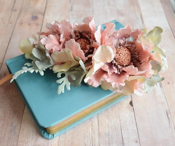 Emmylou - pastel floral comb