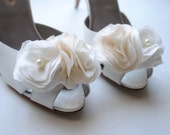 B. Poetic Shoe Clips Bouquet in Cream