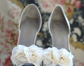 B. Poetic Shoe Clip Bouquet in Ivory