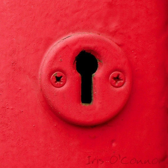 "Red  keyhole 5 x 5"" photography wooden block ready to hang"