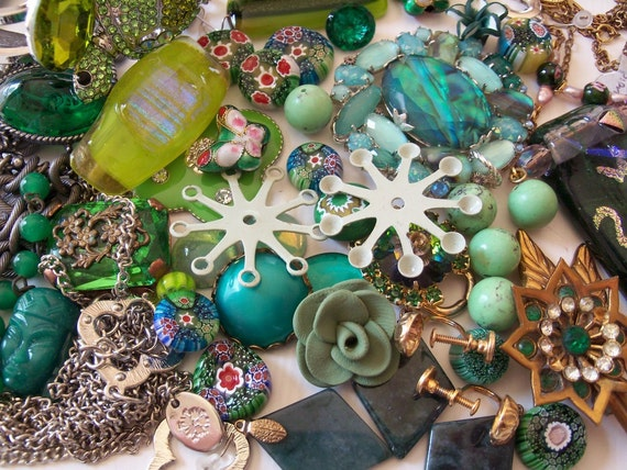 Green Jewelry Lot - Broken Jewelry Lot For Repair And Craft