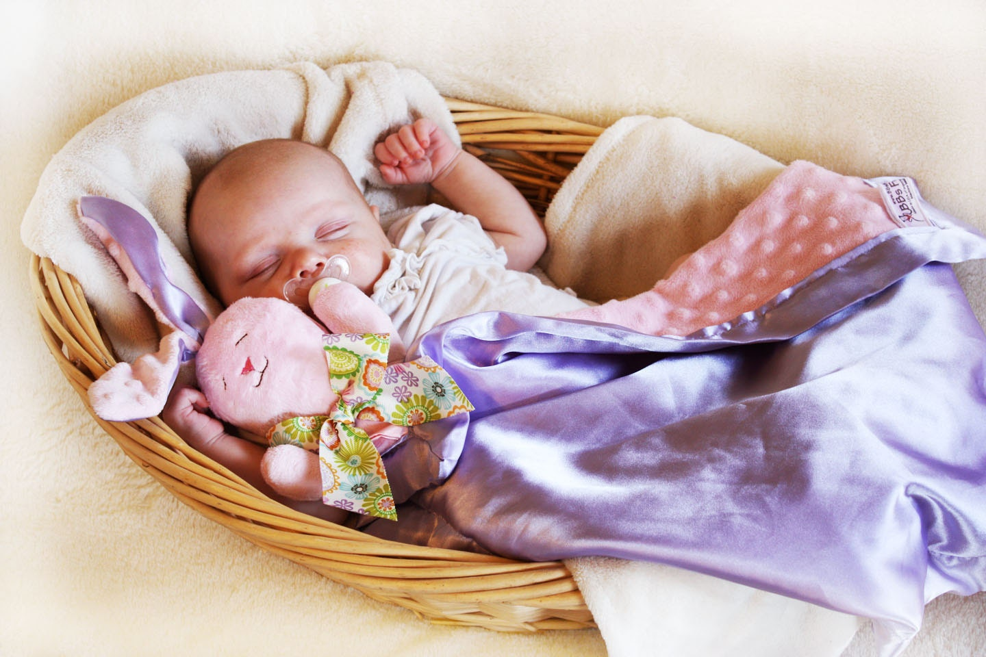 At StuffedSafari.com we've got yourAt StuffedSafari.com we've got yourbabycovered, literally! Our plushAt StuffedSafari.com we've got yourAt StuffedSafari.com we've got yourbabycovered, literally! Our plushbaby blankets and animal security blanketsare more than just blankies, they're also plush