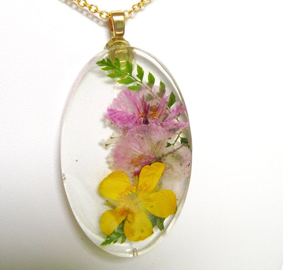 Pressed Flower Pendant ,Flower Garden, Oval, Clear, Real Flowers Resin (589)  SALE